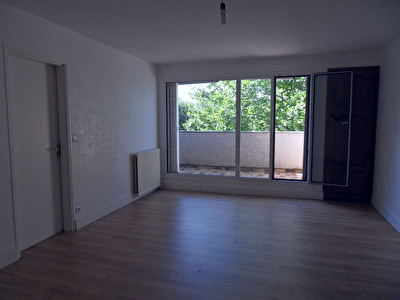 APPARTEMENT F2 A LOUER
